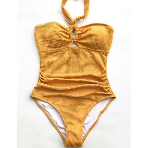 b23a677bb21b2 CUPSHE Bubbly Face halter one piece swimsuit